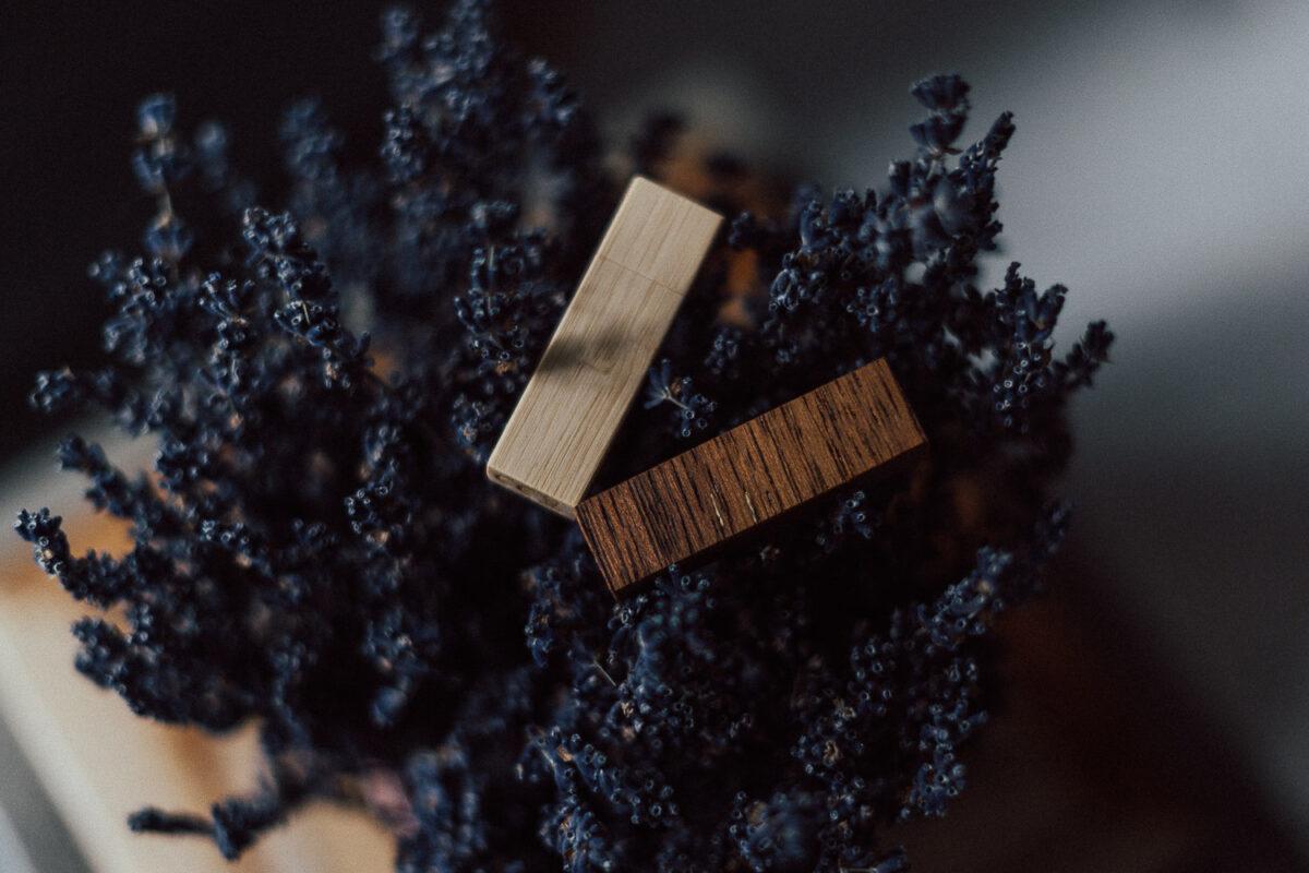 Holz USB Stick mit Struktur